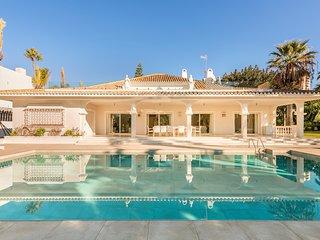 6 bedrooms Villa Nice near Puerto Banus