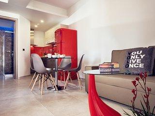 Savvas Luxury Suites ( Elegance Suite)