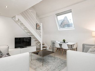 Stylish Penthouse Loft in Historic Centre!