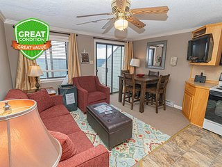 NO BAIT & SWITCH PRICING | Includes Parking/Cleaning | 1BR/1BA | Sleep 4 | ML362