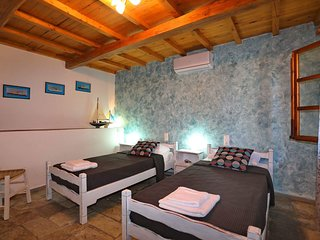 Skopelos Alikias Six Guest House