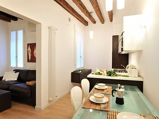 Venice Apartment Sleeps 4 with Air Con and WiFi - 5248494