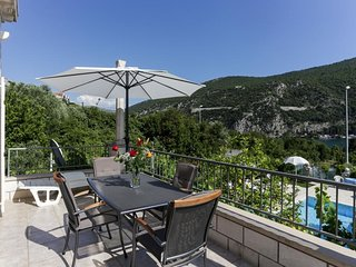 Villa Celenca - Superior Two Bedroom Apartment with Balcony Sea View - A2