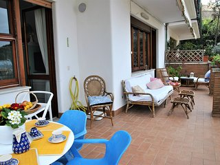 Sperlonga Apartment Sleeps 6 with WiFi - 5778026