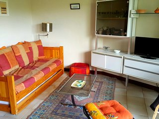 Appartement provençal dans résidence avec piscine