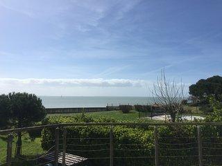 Grande maison familiale vue mer exceptionnelle baie de La Rochelle