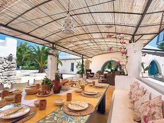 San Vito dei Normanni Villa Sleeps 12 with Pool Air Con and WiFi - 5248086