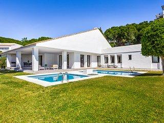 Cozy Stylish 5 Bedroom Villa Opalo in Puerto Banus (11) ✔
