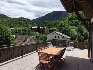 Gite 4****T4-97 m2 terrasse 100 m sauna wifi salle-sport parking privee