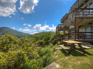 Sky High Condo - Close to Grandfather Mountain
