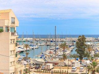 VACACIONES JUNTO AL MAR! acogedor apartamento con amplia terraza y vistas al mar
