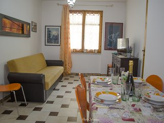 Three room apartment 200 meters away from the sea 'Barchetta'