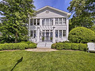 Annapolis Home w/ Bay Views - Near Naval Academy!