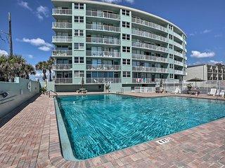 Cozy Daytona Beach Studio Condo - Walk to Beach!