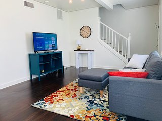 2BR Near Universities, Dining, & Hospitals