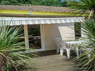 Villas du Lac 5 - Quality 2 Bed Villa in Seaside Town South West France