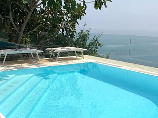 Sirenuse Villa Sleeps 6 with Pool Air Con and WiFi - 5228617