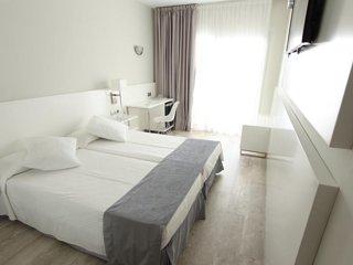 HOTEL CASERIO (HALF PENSION (2 ADULTS)