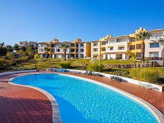 Benfarras Apartment Sleeps 4 with Pool and Air Con - 5794179