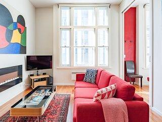 Melbourne City Art Deco Apartment