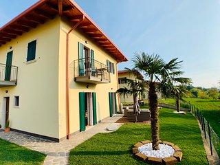 Neues Luxeriöses Haus in San Zeno mit Tiefgarage
