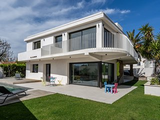 Superbe villa moderne avec piscine à Marseille