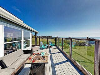 Stunning Bodega Bay Oasis w/ Ocean Views, Fire Pit & 2 Decks, Walk to Beach
