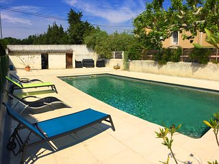LS6-342 FRAGOUN - Beautiful rental near Avignon with pool, 4 sleeps.