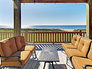Brand-New Gulf-View Home w/ Upscale Decor & Beautiful Decks -- 200' to Beach!