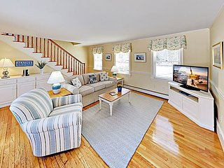 Charming Apartment on Linekin Bay -- Near Classic Boothbay Harbor Attractions