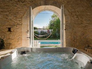 Grande maison avec spa & piscine chauffée privatifs, proche de St Emilion