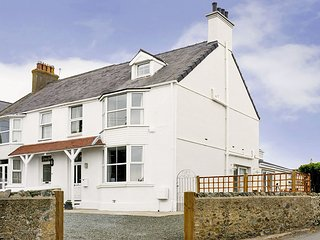 WEST VIEW, 4 Bedroom(s), Pet Friendly, Rhosneigr