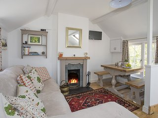 THE DOLL'S HOUSE, 2 Bedroom(s), Harlech