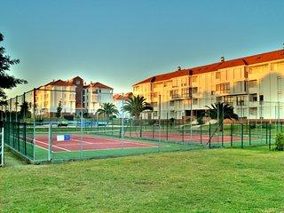 zona deportiva / piscinas y campos de tenis