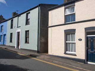 AMELIE COTTAGE, 2 Bedroom(s), Pet Friendly, Beaumaris