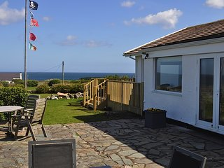 GWEL Y MOR, 3 Bedroom(s), Pet Friendly, Moelfre