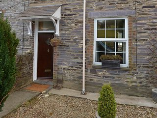 12 VICTORIA TERRACE, 3 Bedroom(s), Pet Friendly, Nantlle