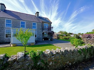 SEIRIOL VIEW, 3 Bedroom(s), Pet Friendly, Moelfre