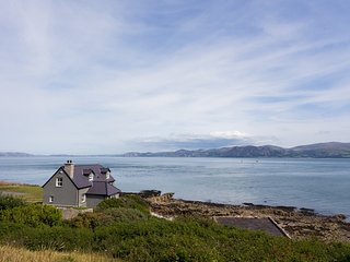 THE OLD LIFEBOAT HOUSE, 3 Bedroom(s), Penmon