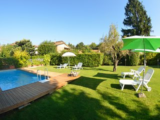 San Colombano Villa Sleeps 6 with Pool and WiFi - 5247724
