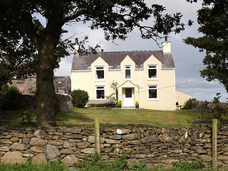 PENTREHEULYN, 3 Bedroom(s), Pet Friendly, Carreglefn