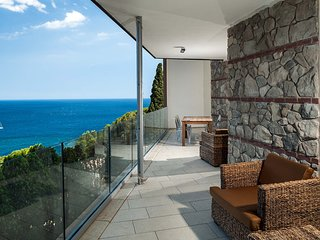 Taormina Apartment Sleeps 4 with Pool Air Con and WiFi - 5247319