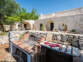 Certosa Villa Sleeps 8 with Pool Air Con and WiFi - 5248111