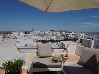 Colina Blanca - comfortable home and sunny terrace with fantastic views