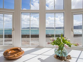 COACH HOUSE, 2 Bedroom(s), Red Wharf Bay