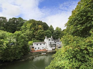 THE MOORINGS, 2 Bedroom(s), Pet Friendly, Menai Bridge