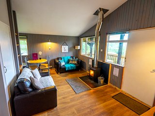 Self catering lodges above Loch Ness