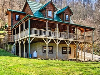 Fabulous Mountain View, Cozy Cabin, Sleeps 10