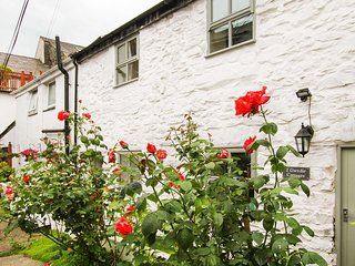 2 GWYDIR COTTAGES, 3 Bedroom(s), Pet Friendly, Llanrwst