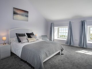 BARRACKS COTTAGE, 4 Bedroom(s), Penmon